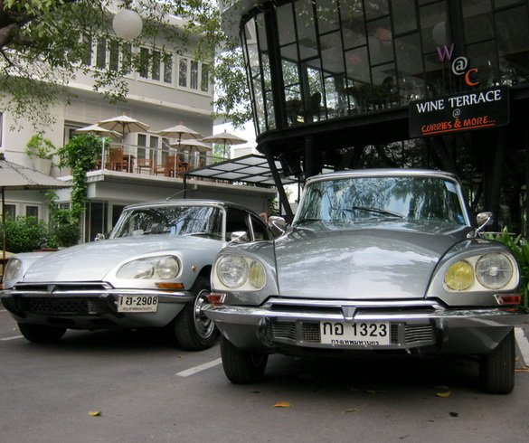 Citroen_DS_Classic_05-Citroen DS-ยุค 50