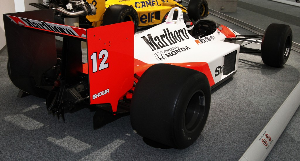 McLaren_MP4-4_rear_view_Honda_Collection_Hall