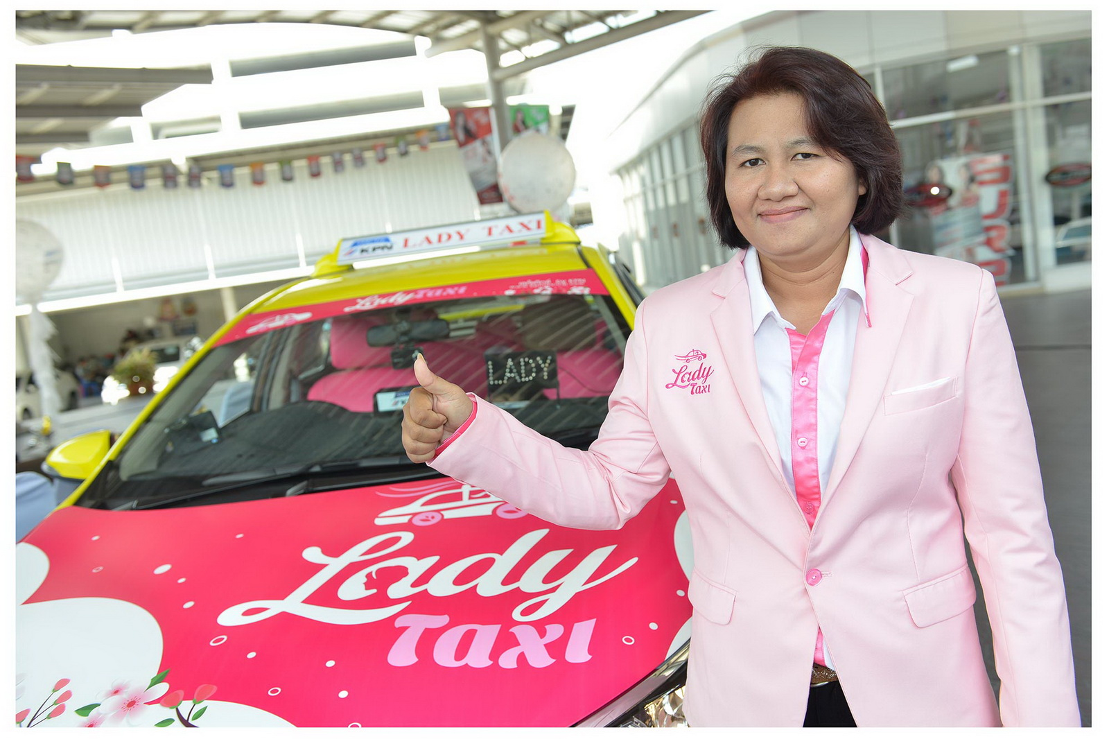lady_taxi_3