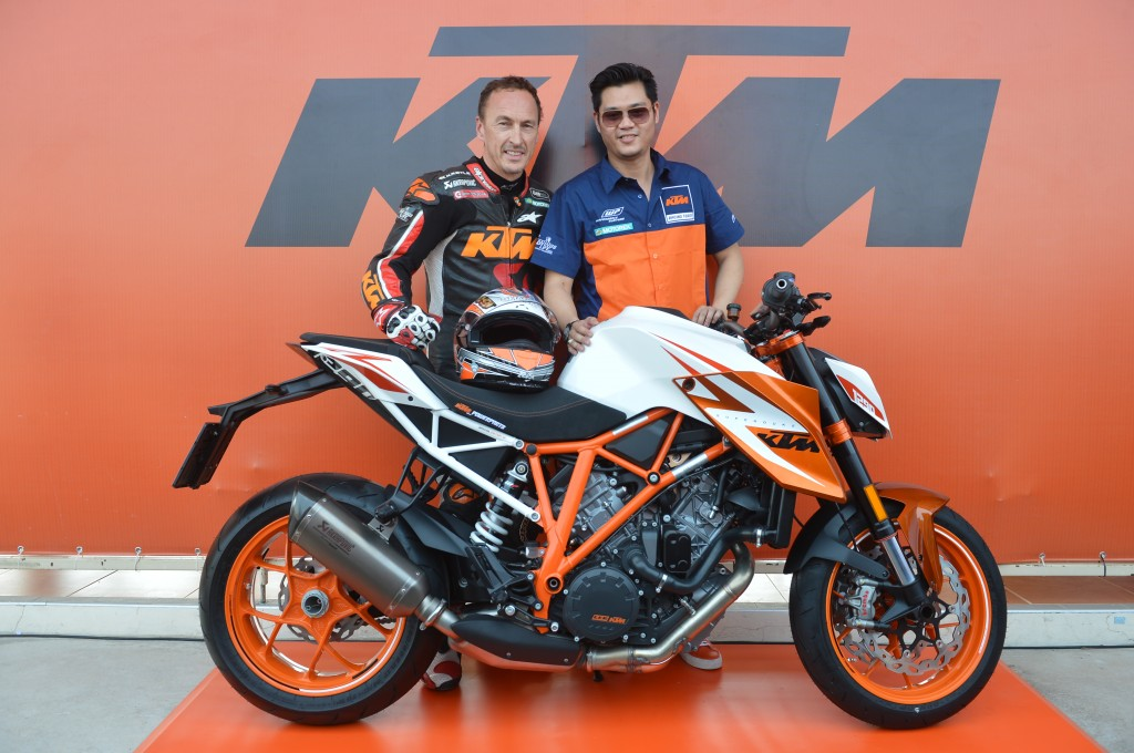 KTM-Duke-It-Weekend_1
