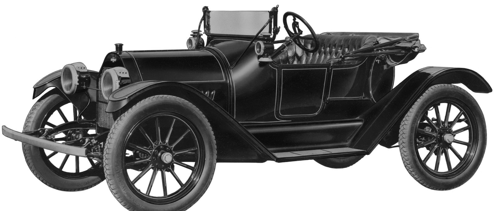 In 1913, Chevrolet co-founder William C. Durant introduced the signature Chevy bowtie on the 1914 Chevrolet H-2 Royal Mail and the H-4 Baby Grand, centered at the front of both models.