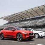 ชมคลิป! Jaguar โชว์สมรรถนะรถไฟฟ้า I-Pace ชนะขาด Tesla Model X