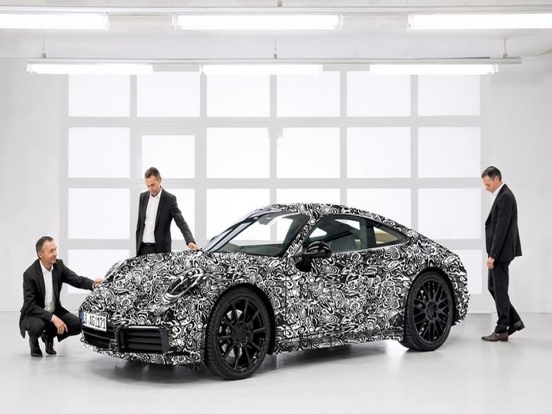 บอสใหญ่ Porsche แย้มรถสปอร์ต 911 ปลั๊ก-อิน แรงทะลุ 700 ม้า