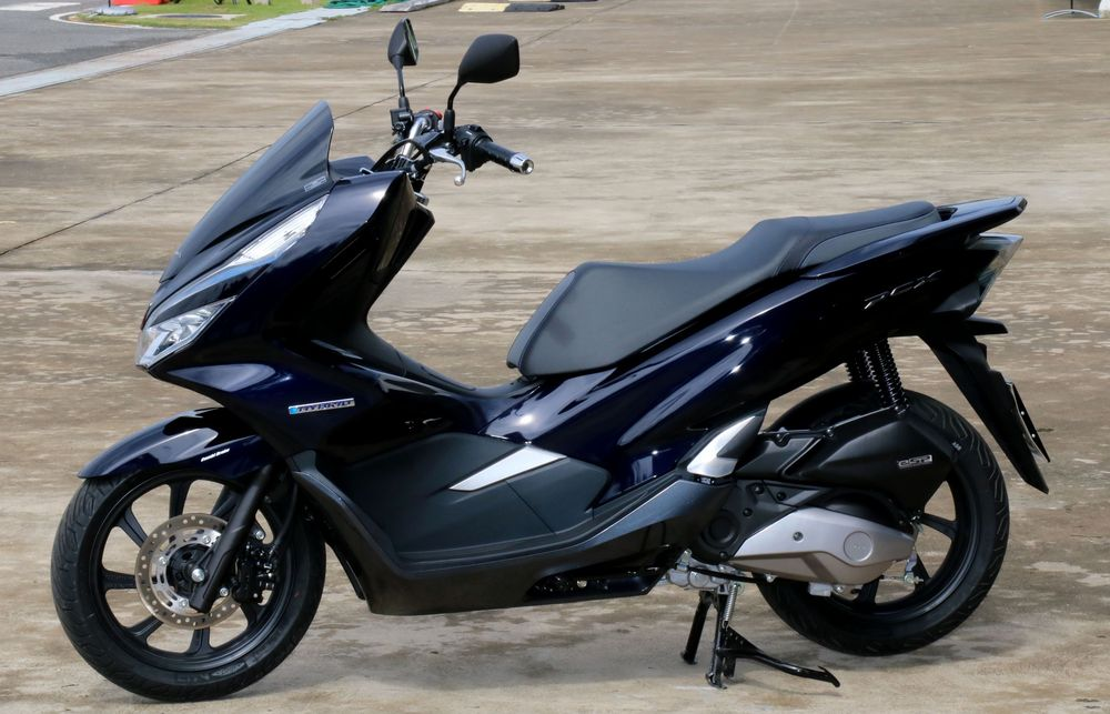 honda pcx hybrid 21 grand prix online. Black Bedroom Furniture Sets. Home Design Ideas