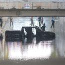 อุโมงค์มรณะ!! ไฮโซสาวขับกระบะลงอุโมงค์ น้ำท่วมดับ กรุงเทพอันตราย เมื่อขับรถตกน้ำ ควรทำอย่างไร !!