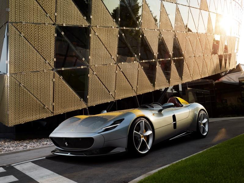 Ferrari Monza SP1 & SP2 รุ่นพิเศษด้วยแรงบันดาลใจจากรถแข่งในอดีต