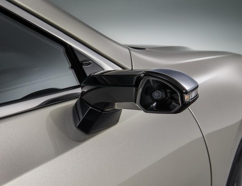 Digital Outer Mirror ภาพดิจิตอลแทนกระจกมองข้างจาก Lexus