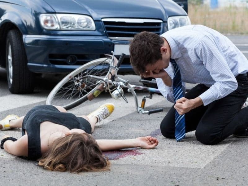 ขับรถชนคนตาย