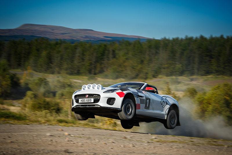 Jaguar F-Type Convertible Rally จับรุ่นพิเศษมาแต่งแรลลี่
