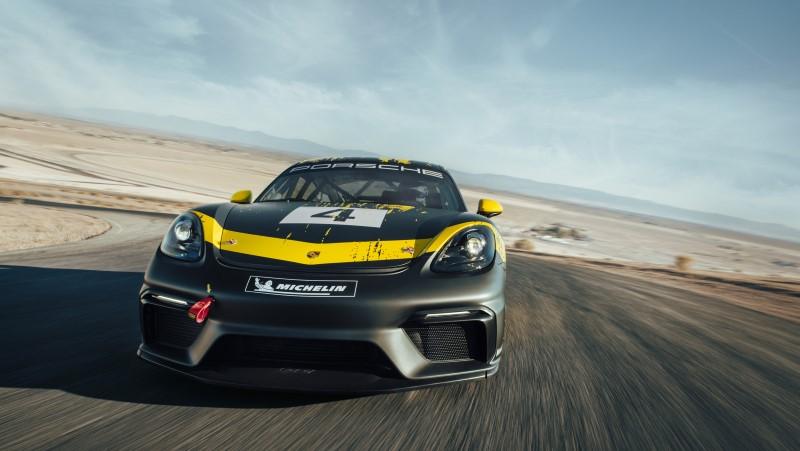 Porsche 718 Cayman GT4 Clubsport รุ่นใหม่ของรถแข่งเครื่องวางกลาง