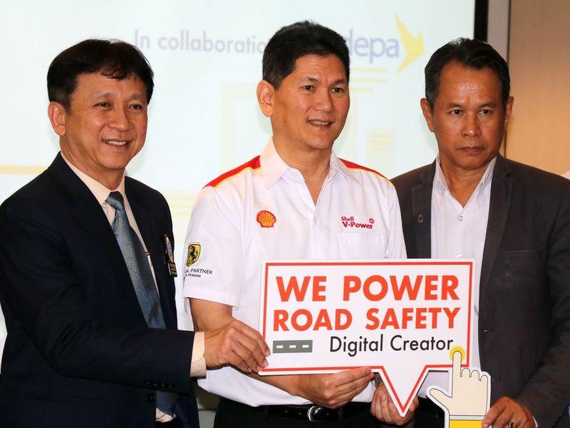 """เชลล์ """"WE Power Road Safety Digital Creator"""" ชวนคนรุ่นใหม่ออกแบบแอพความปลอดภัยทางถนน"""