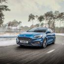Ford Focus ST รุ่นแรงที่เลือกได้ระหว่างแฮทช์แบ็กหรือแวกอน