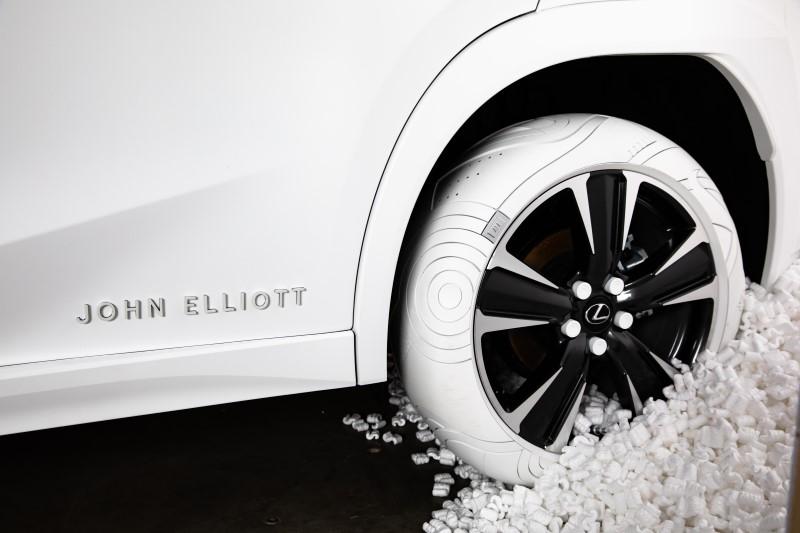 Lexus จับมือนักออกแบบดังทำยางสำหรับ UX