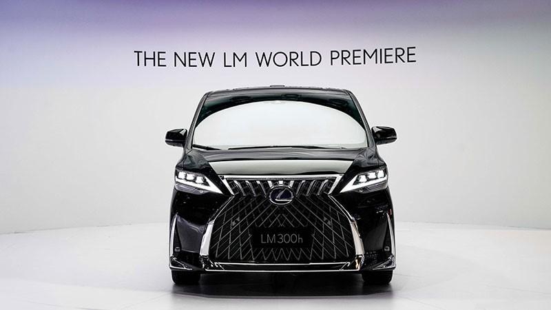 Lexus  LM ความหรูและผ่อนคลายขณะเดินทาง