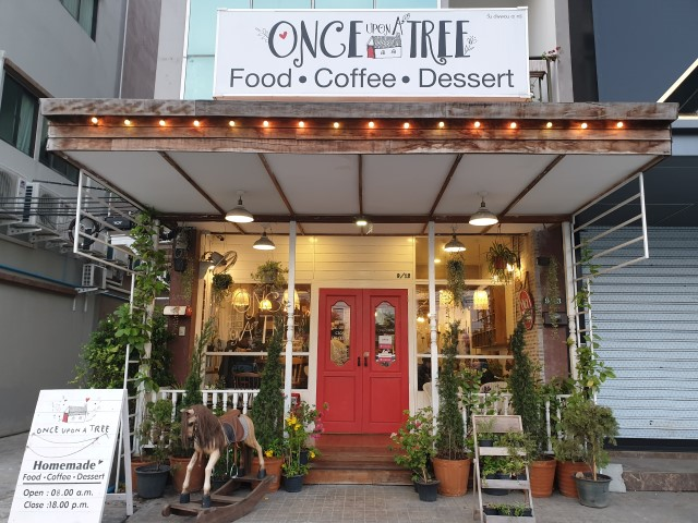 ONCE UPON A TREE CAFÉ
