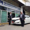 นิสสันฯ ส่งมอบรถพลังงานไฟฟ้า LEAF ให้ดร.ปราจิน ปธ.บริษัทกรังด์ปรีซ์