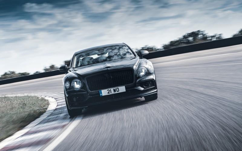 Bentley เผยสมรรถนะและความหรูใน Flying Spur รุ่นใหม่