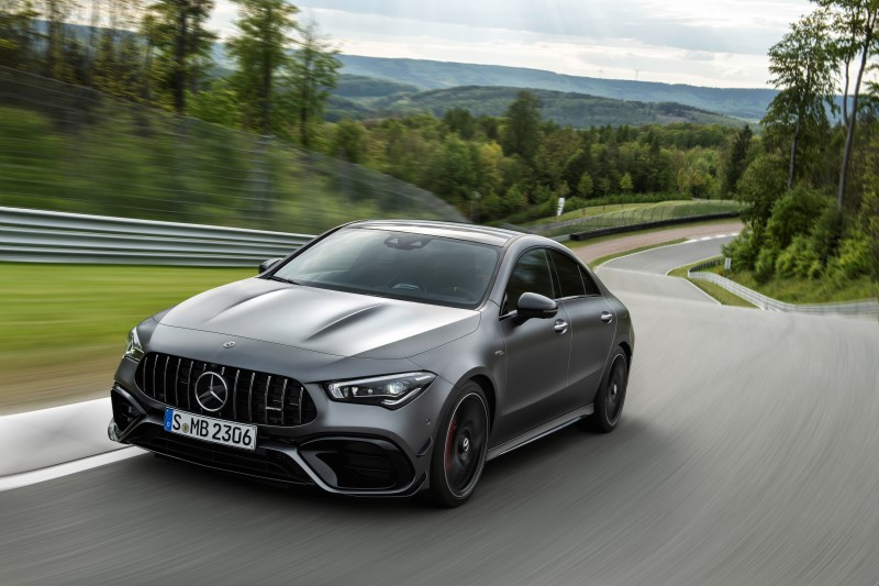 Mercedes-AMG เพิ่มรุ่นสมรรถนะสูงให้แฮทช์แบ็กและ 4 ประตูคูเป้ขนาดคอมแพกต์ด้วย A 45 4Matic+ และ CLA 45 4Matic+