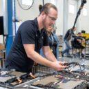 BMW ขยายกำลังการแบตเตอรีรองรองรับรุ่นไฮบริดของ X5 และ X3 ในอนาคต