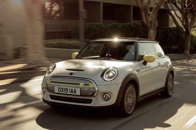 Mini Cooper SE มาแล้วเวอร์ชั่นไฟฟ้าของรถเล็กยอดนิยมจากเมืองผู้ดี