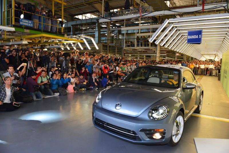 Volkswagen Beetle คันสุดท้ายออกจากสายการผลิตแล้ว