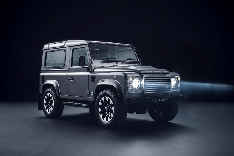 Land Rover Classic ทำชุดอัพเกรดให้ Defender รุ่นเก่า