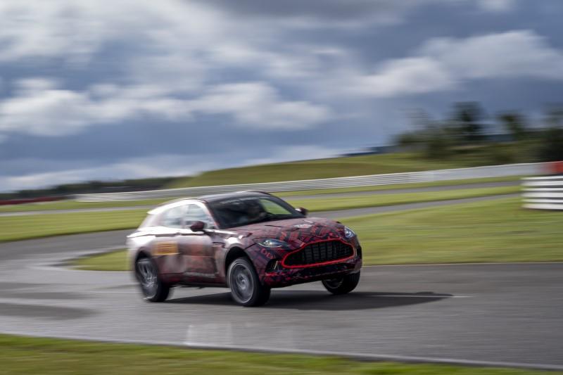 Aston Martin เผยขุมกำลัง DBX