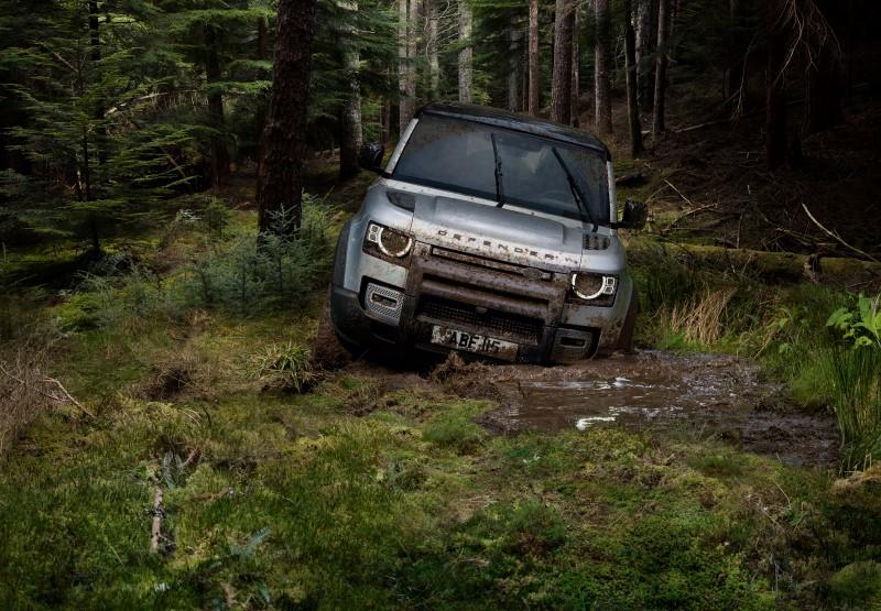 Land Rover Defender การกลับมาในแบบไฮเทคของตำนานรถออฟโรด