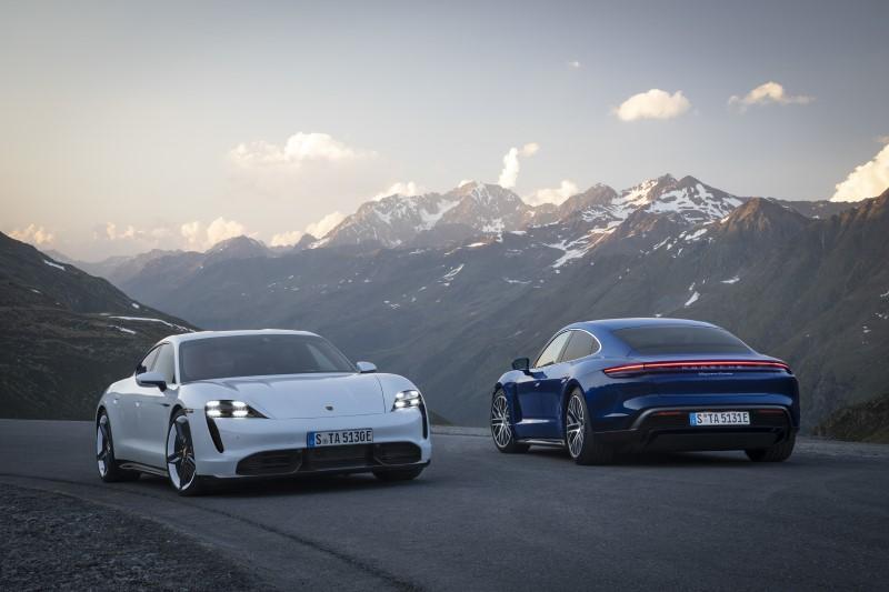 Porsche Taycan จุดเริ่มความแรงจากพลังไฟฟ้า