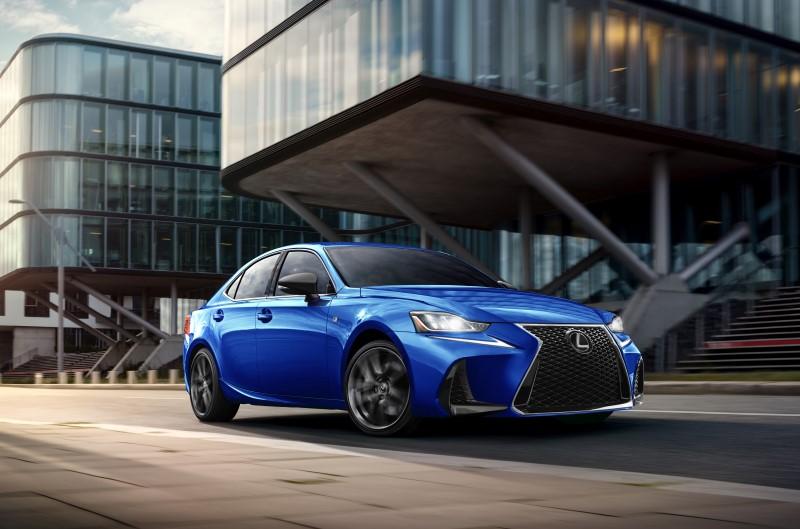 Lexus IS F Sport Blackline Special Editon มาอีกครั้งกับรุ่นแต่งพิเศษเน้นความเข้ม