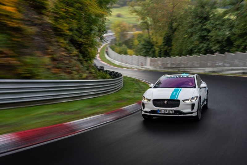Jaguar นำ I-Pace ให้บริการ Race Taxi ที่ Nurburgring