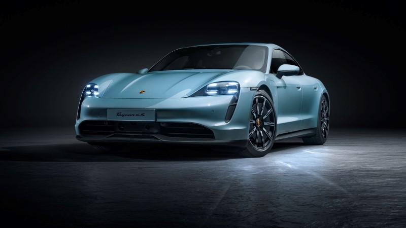 Porsche ขยายทางเลือกรถไฟฟ้าสู่รุ่นกำลังและราคาน้อยลงด้วย Taycan 4S