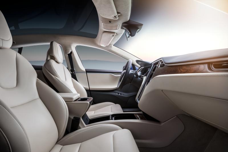 Tesla คิดเทคโนโลยีใหม่ปรับอุณหภูมิเบาะรถยนต์