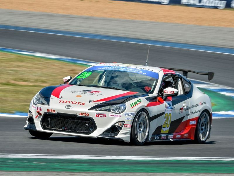 """Toyota Gazoo Racing Team คว้าแชมป์ Touring Car """"RAAT 6 Hrs. Endurance 2019"""""""