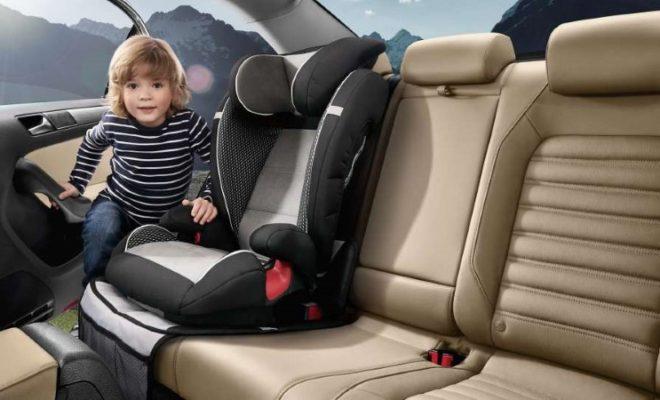 เด็กติดในรถ