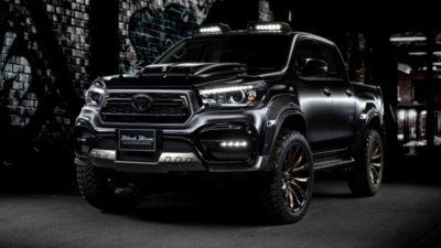 Toyota Hilux Black Bison